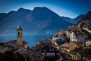 Le montagne che circondano il Lago di Como