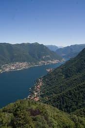 Panorama del lago di Como dal Faro Voltiano
